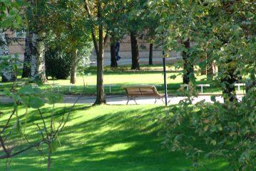 Parc d'accés a l'Hospital Universitari Arnau de Vilanova